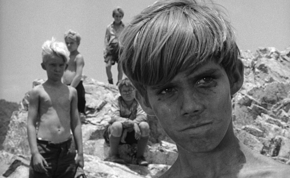 comparison of lord of the flies and the movie white squall Full summary - lord of the flies word count: the lord of the flies, now merely a gleaming white skull-as white as the conch shell a comparison page 6.